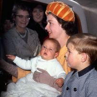 The-Queen-with-sons-Prince-Andrew-and-baby-Prince-Edward