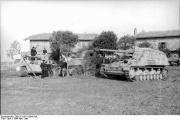 Bundesarchiv_Bild_101I-313-1004-10A,_Italien,_Panzer_VI_(Tiger_I),_Panzerjäger_Nashorn-Hornisse